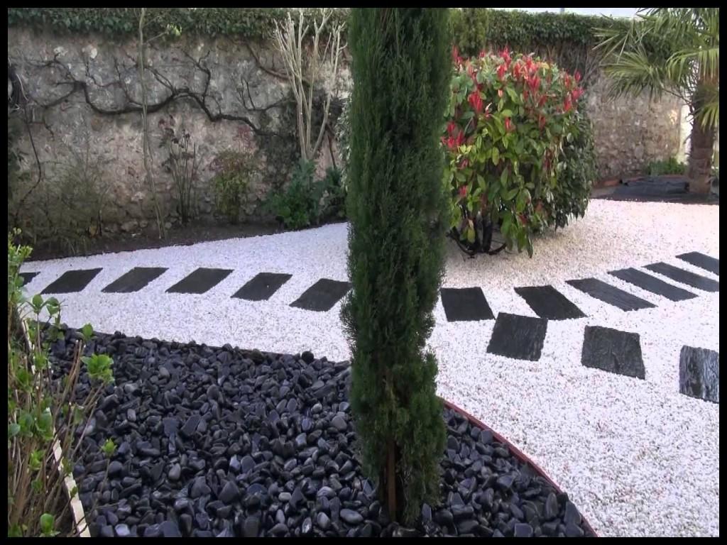 amenagement jardin avec graviers. Black Bedroom Furniture Sets. Home Design Ideas