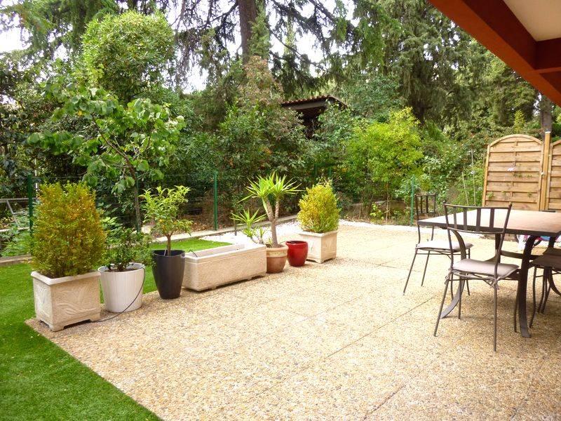 amenagement jardin avec terrasse. Black Bedroom Furniture Sets. Home Design Ideas