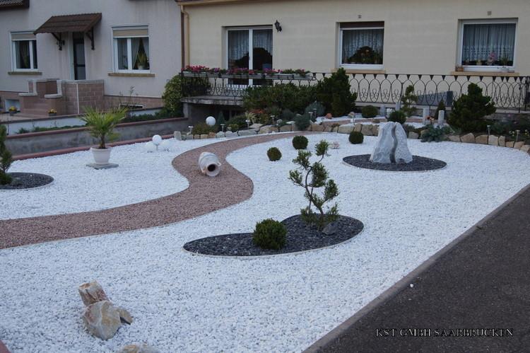 amenagement jardin cailloux
