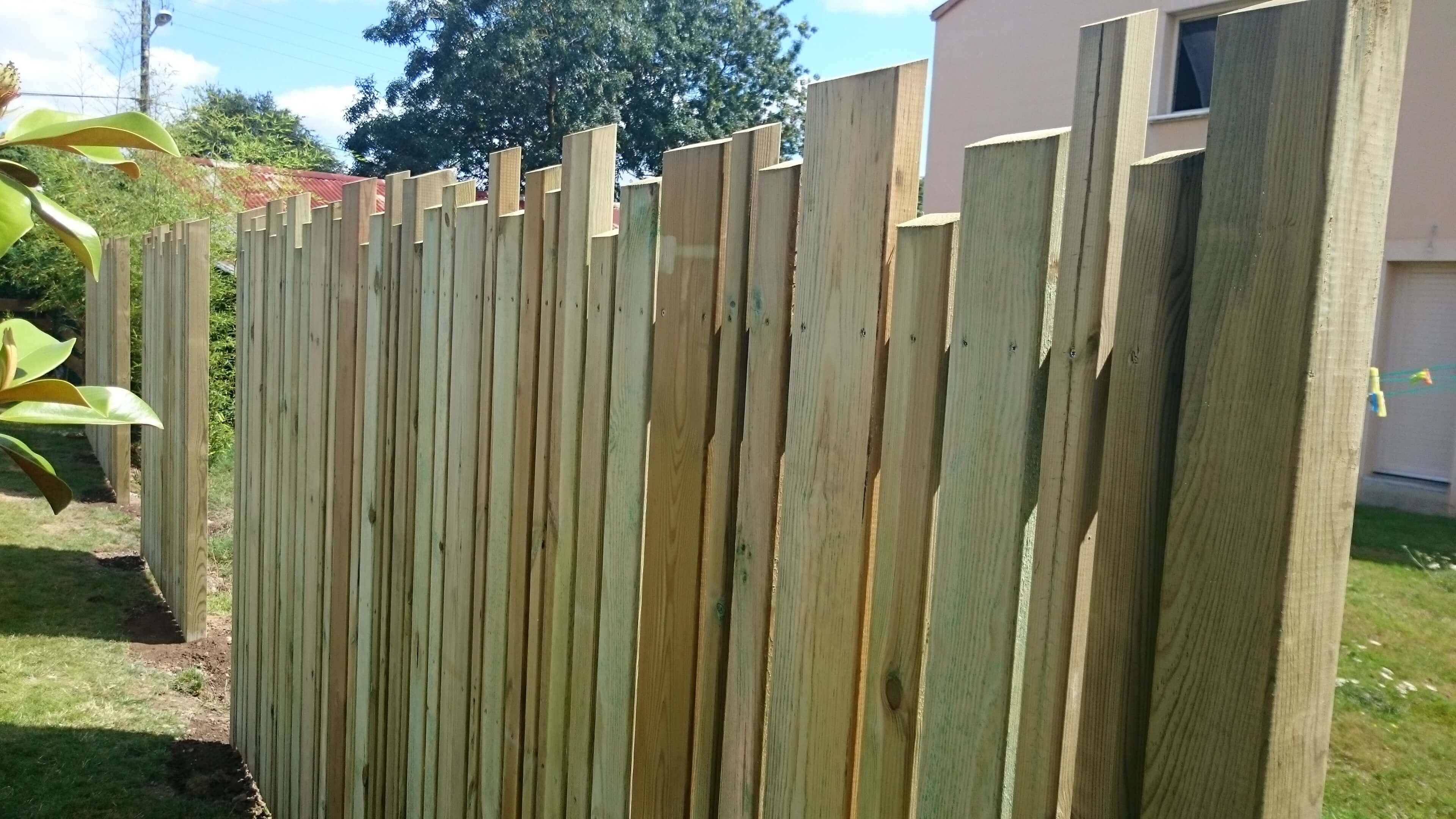 Amenagement jardin cloture bois - Cloture de jardin en bois ...