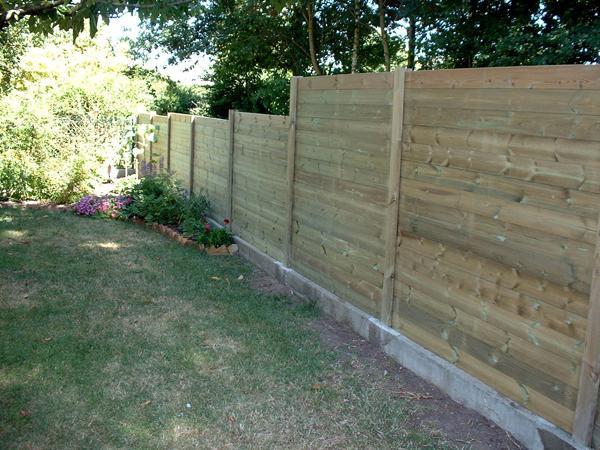amenagement jardin cloture bois