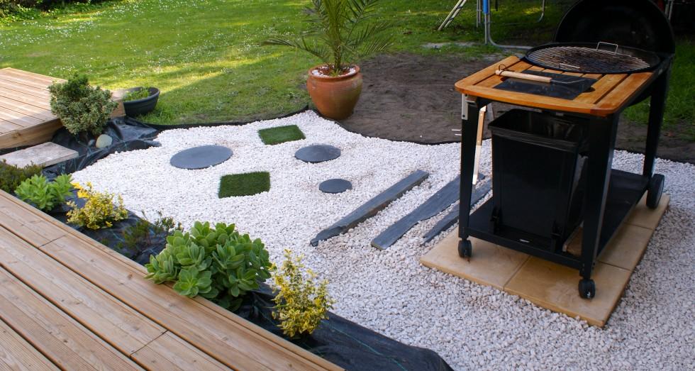 amenagement jardin coin barbecue. Black Bedroom Furniture Sets. Home Design Ideas