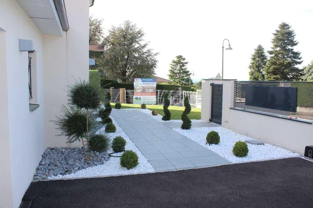 Amenagement jardin devant maison - Amenagement exterieur jardin moderne ...