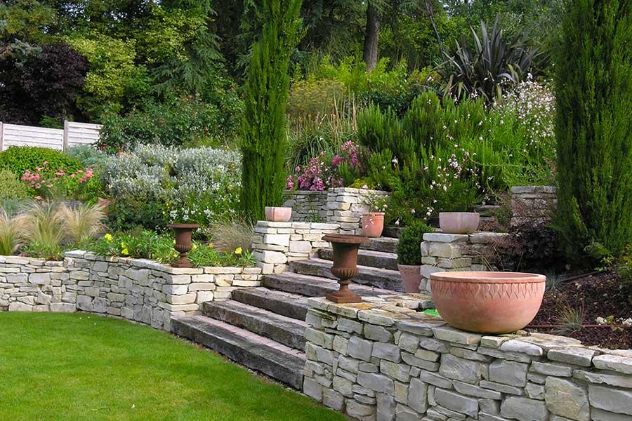 amenagement jardin en pierre