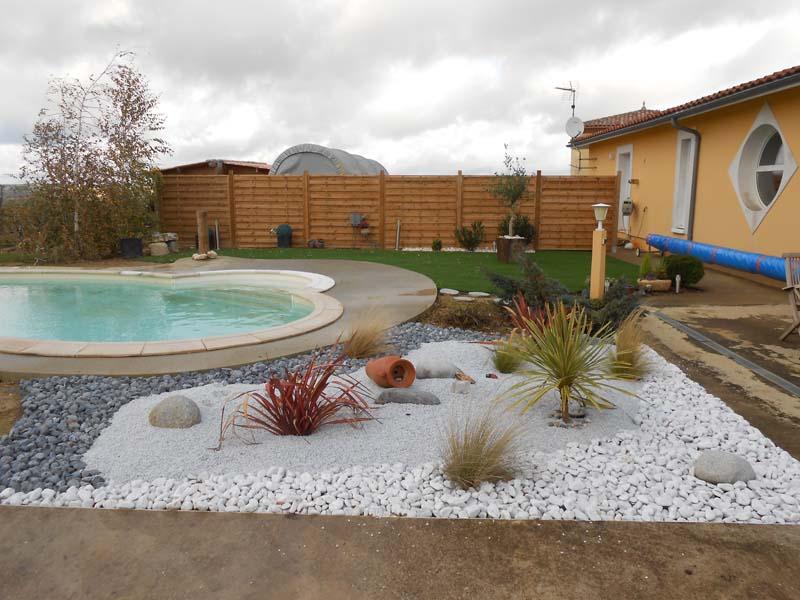 decoration exterieur autour d\'une piscine