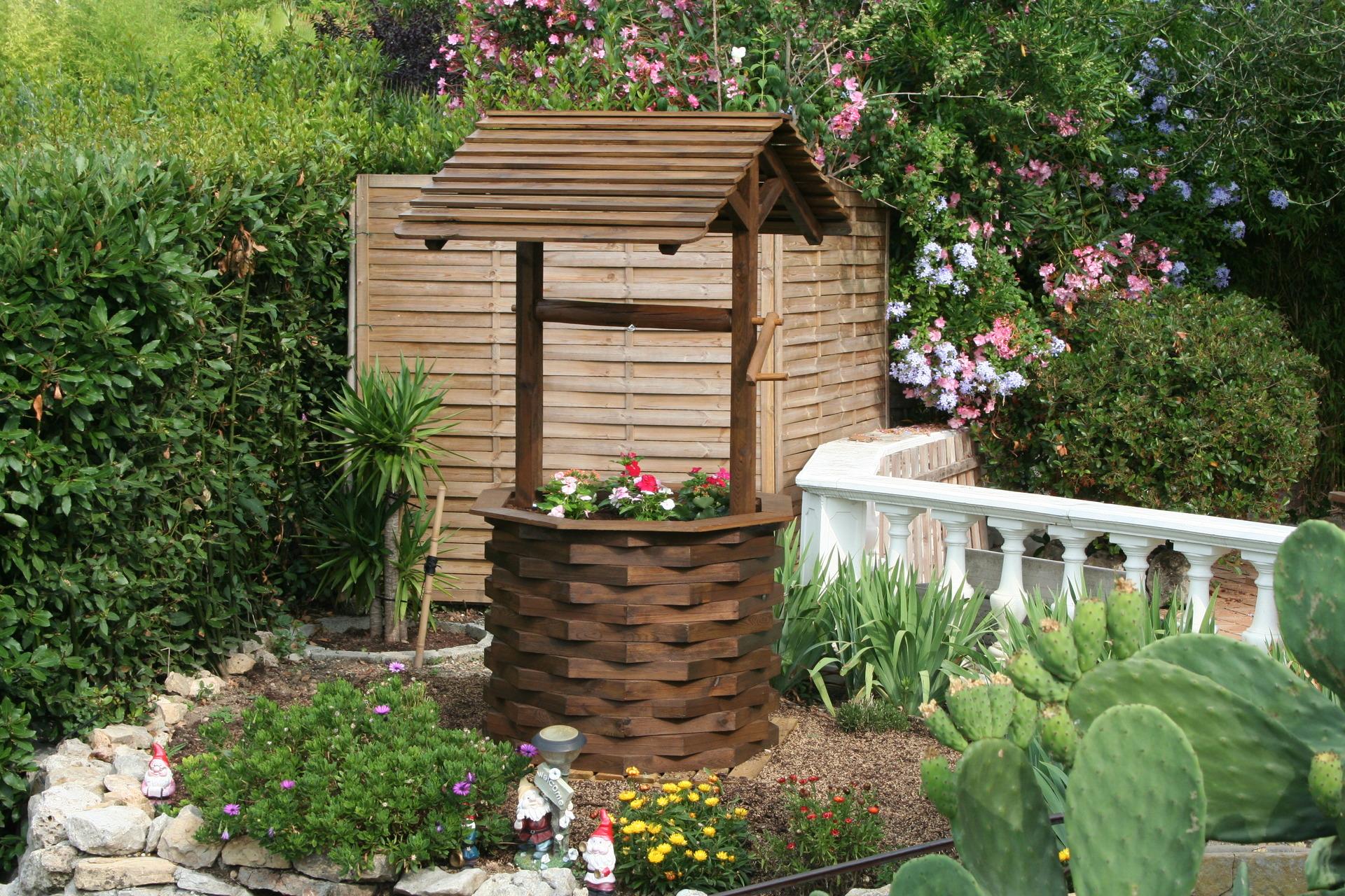 Decoration exterieur puit - Decorations exterieures de jardin ...