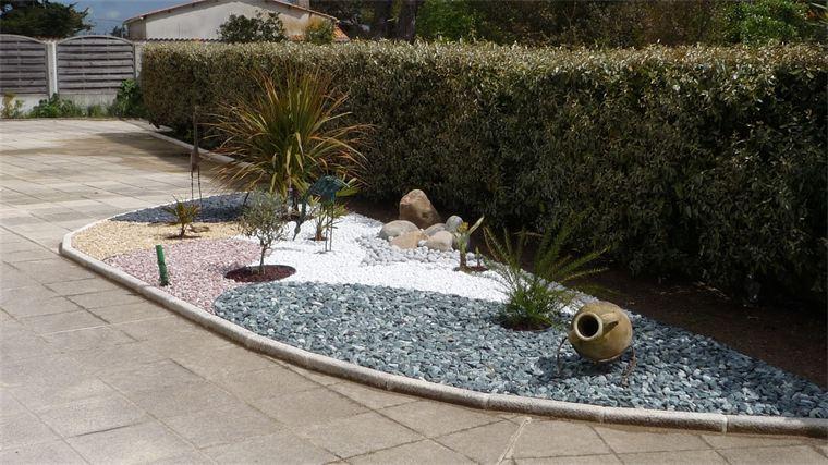 Jardin Paysager Avec Galets #7 - Un Jardin Zen En Noir Et Blanc Page ...