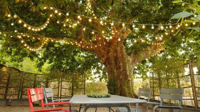 decoration jardin guirlande
