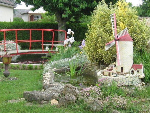 decoration jardin moulin