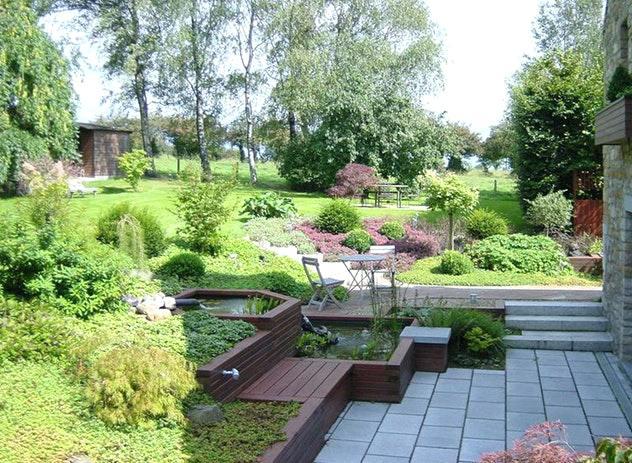 idee jardin en pente douce